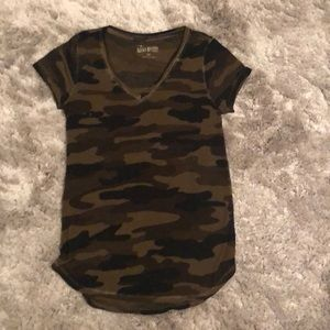 Lucky brand camo tshirt - size XS
